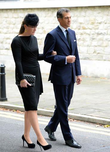 Как одеться на похороны женщине и мужчине - основные правила 1