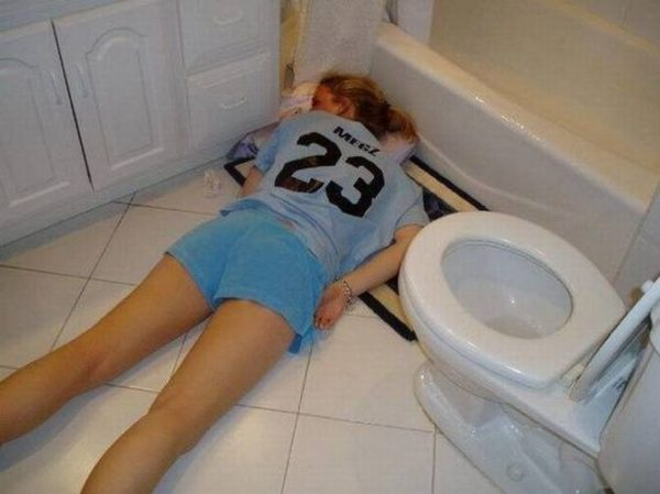 Смешные фото и картинки про пьяных девушек - самые ржачные 10