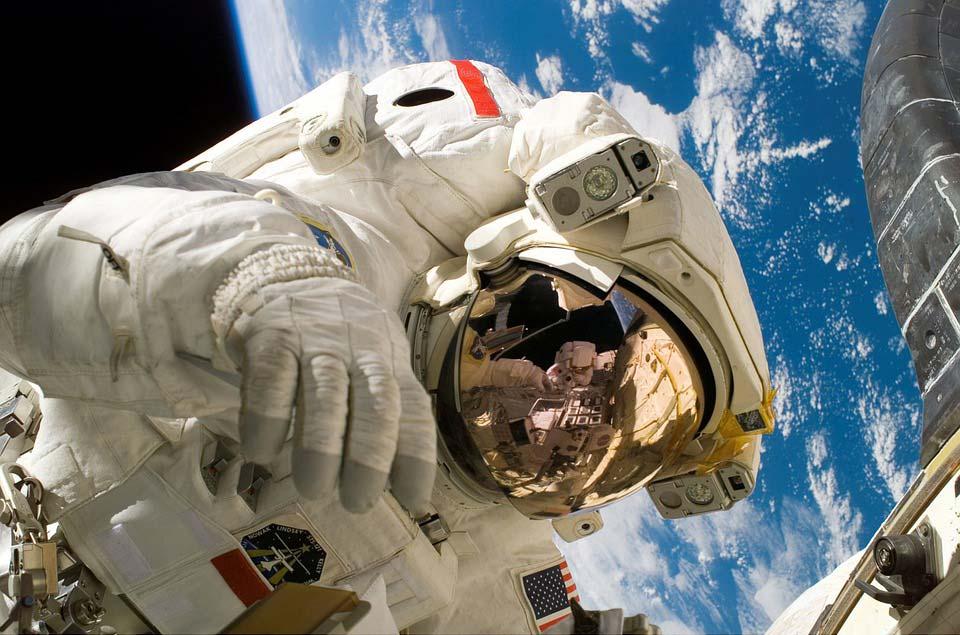 Картинки-на-тему-космос-скачать---очень-красивые-и-прикольные14