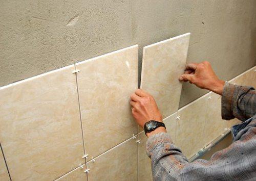 Укладка керамической плитки на стену - основные рекомендации 3