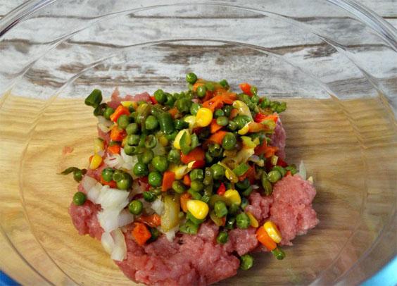 Как приготовить ароматные тефтели с овощным острым соусом по-мексикански 2