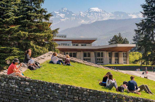 Необычные картинки самых красивых школ и университетов в мире - подборка 14