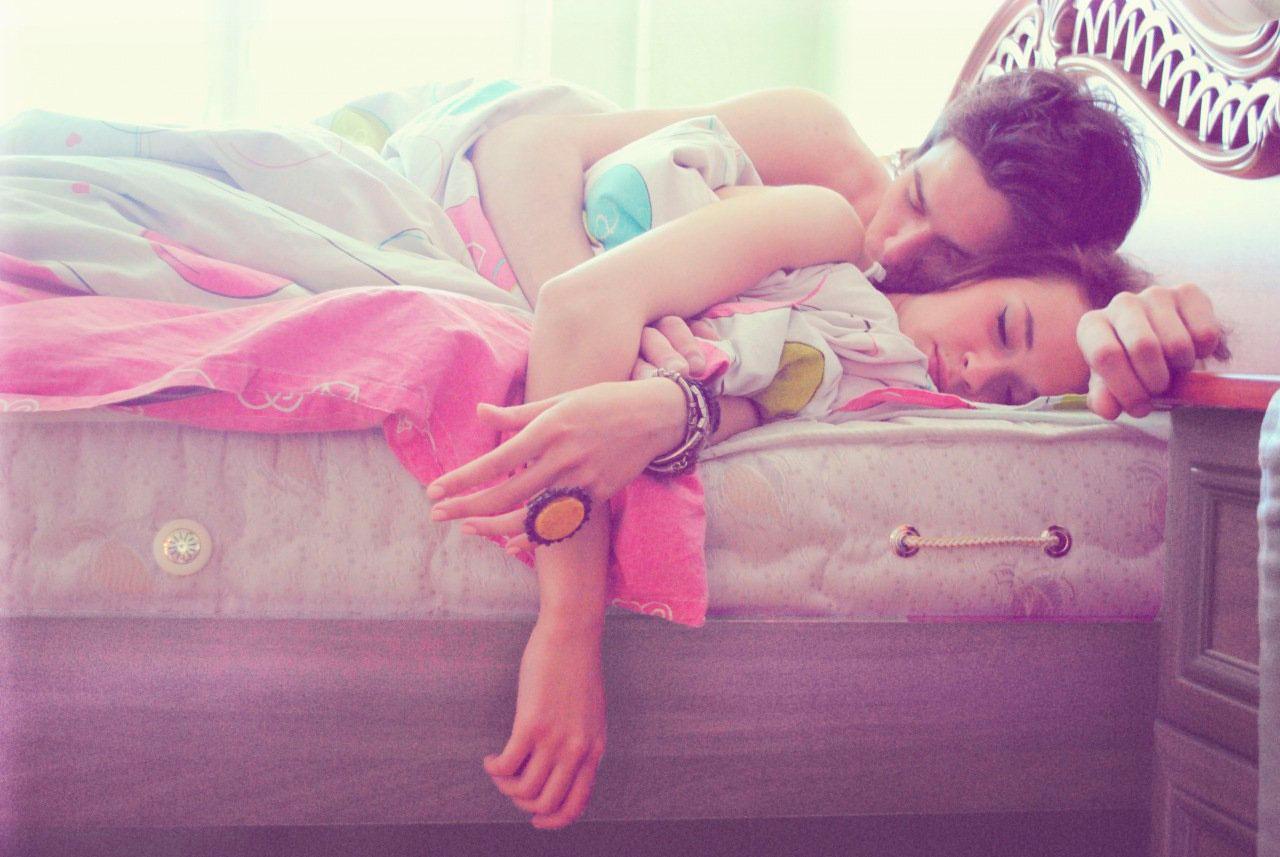 Красивые и милые картинки влюбленных пар в обнимку - подборка 14