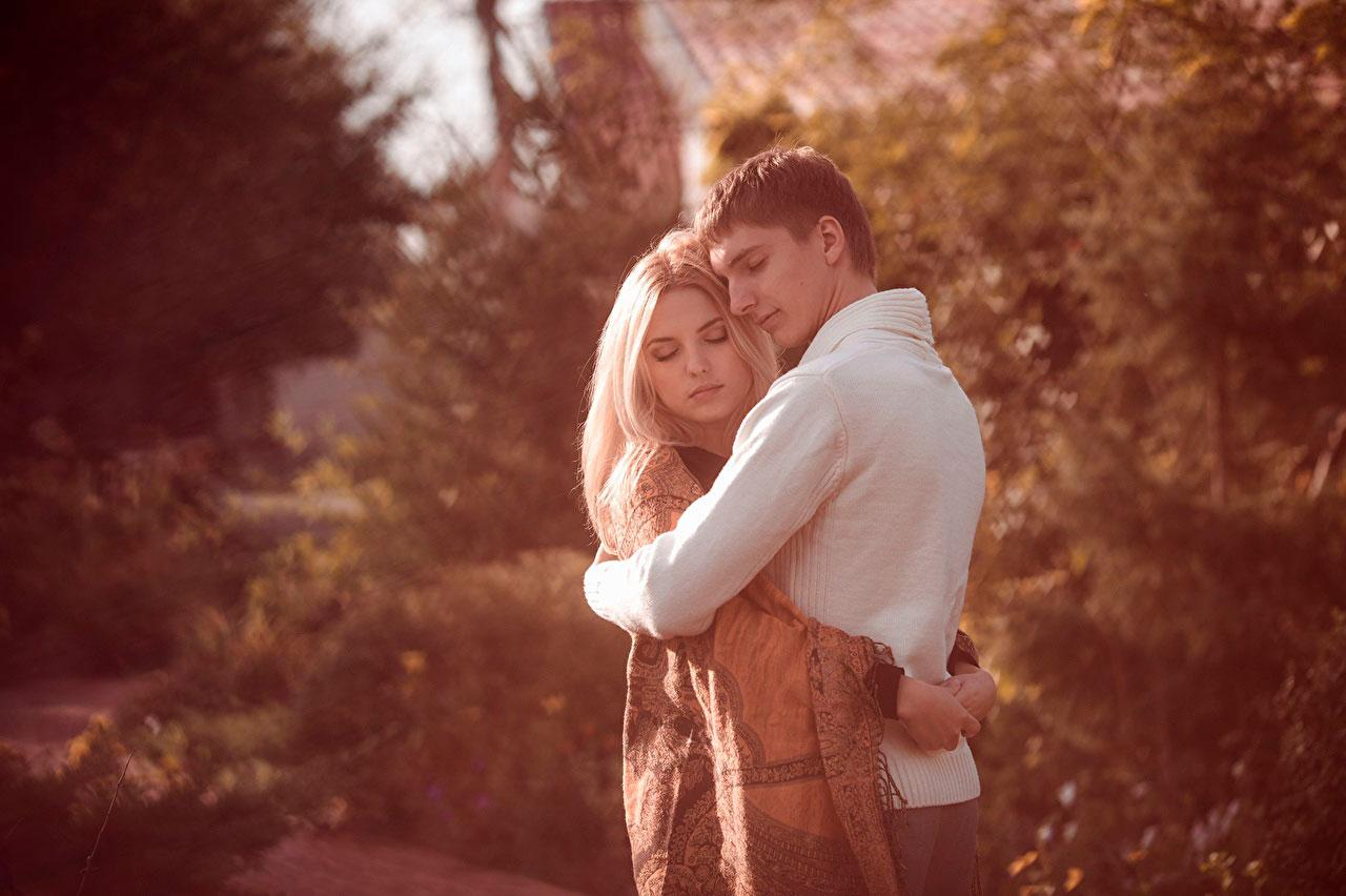 Красивые и милые картинки влюбленных пар в обнимку - подборка 15