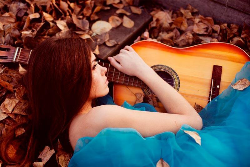 Красивые картинки девушки с гитарой - подборка фотографий 4
