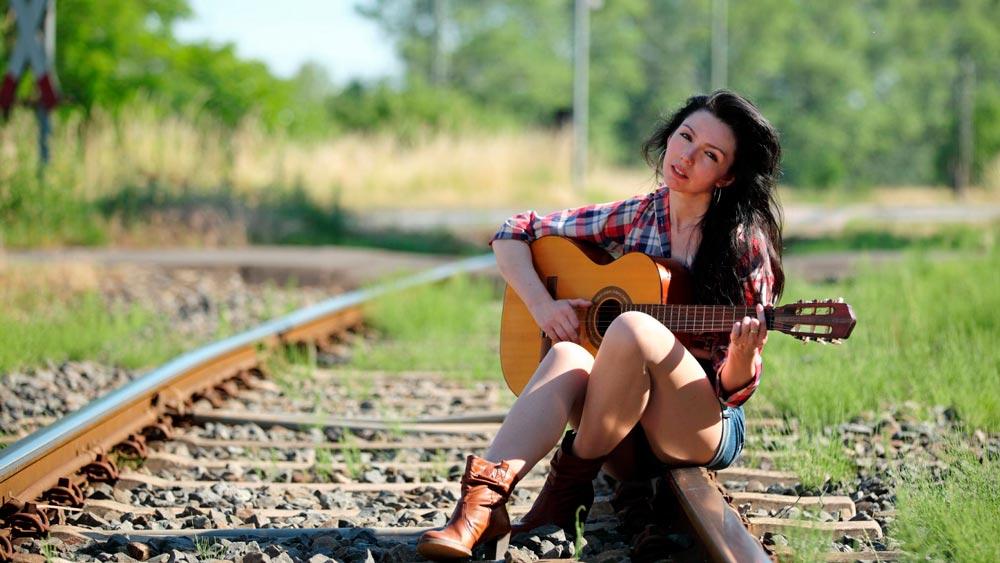 Красивые картинки девушки с гитарой - подборка фотографий 2