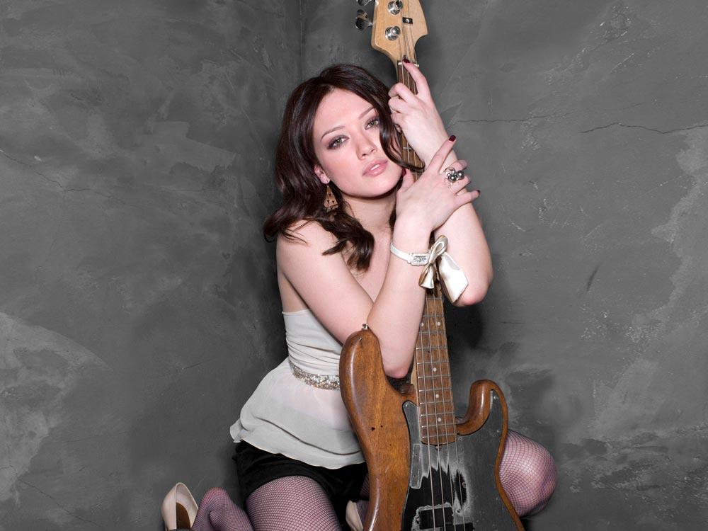 Красивые картинки девушки с гитарой - подборка фотографий 10