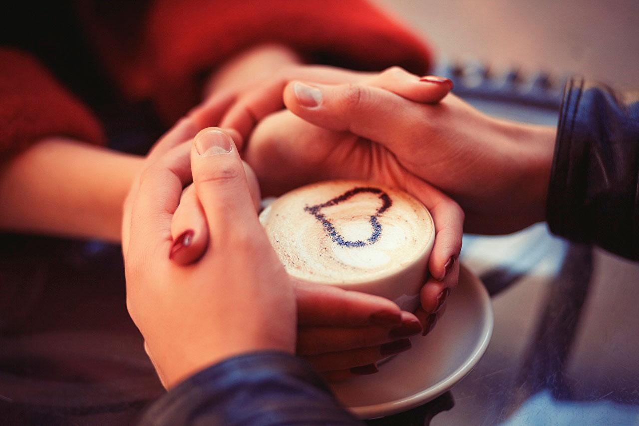 Красивые и милые картинки влюбленных пар в обнимку - подборка 9