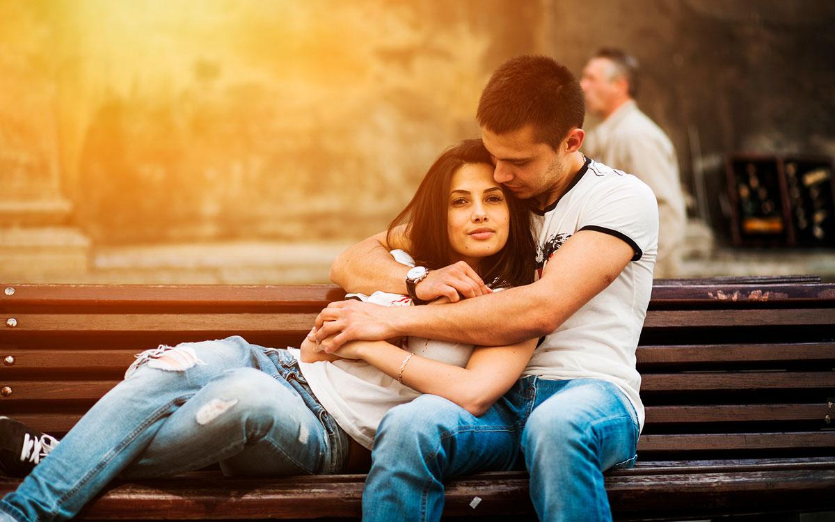 Красивые и милые картинки влюбленных пар в обнимку - подборка 10
