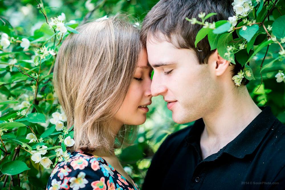 Красивые и милые картинки влюбленных пар в обнимку - подборка 12