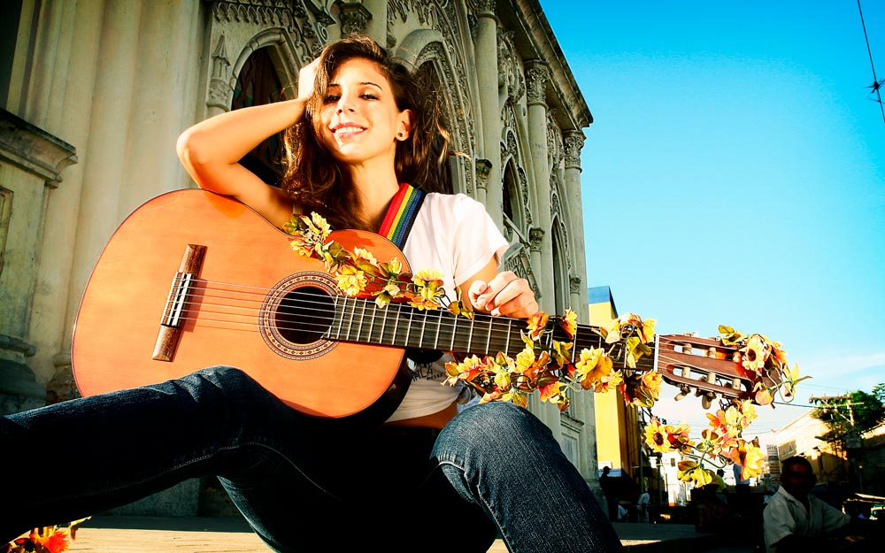 Красивые картинки девушки с гитарой - подборка фотографий 15