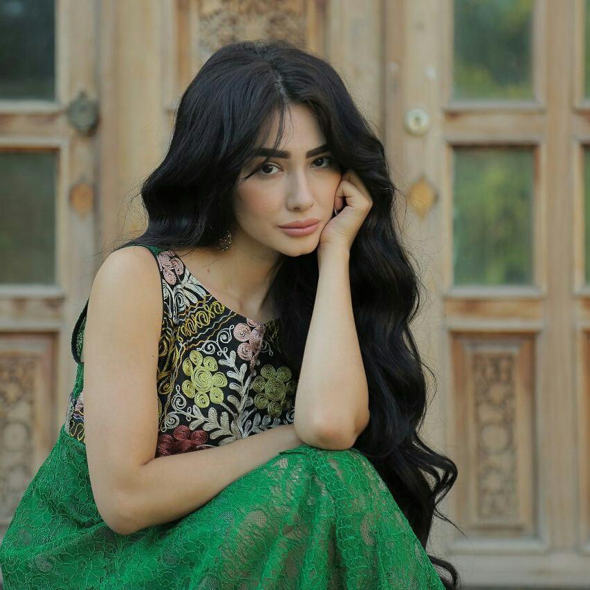 Красивая Зарина Низомиддинова - фотографии и картинки 4