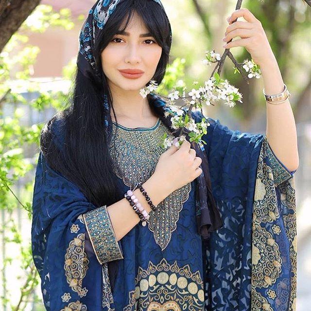 Красивая Зарина Низомиддинова - фотографии и картинки 2
