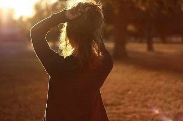 Картинки девушек на аву со спины - красивые и крутые 18
