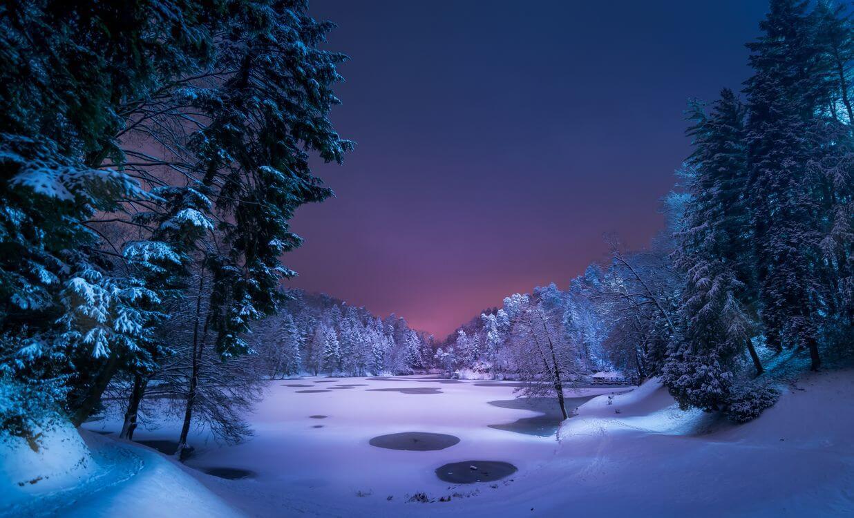 Скачать обои зимних картинок на телефон для заставки 9