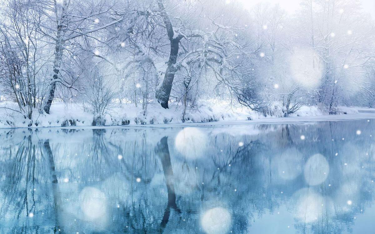 Скачать обои зимних картинок на телефон для заставки 13