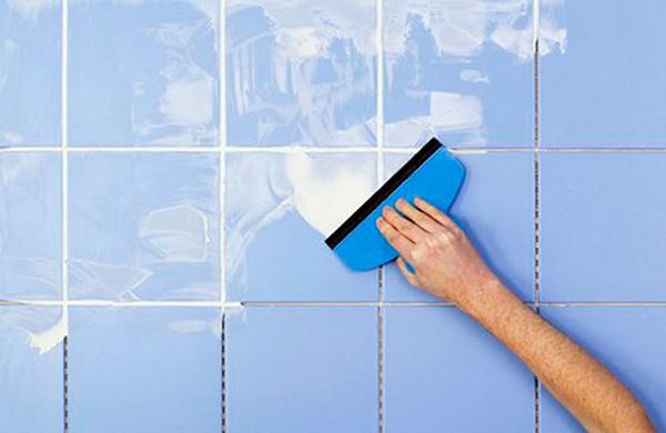 Завершение укладки плитки - чем затирать плиточные швы 1