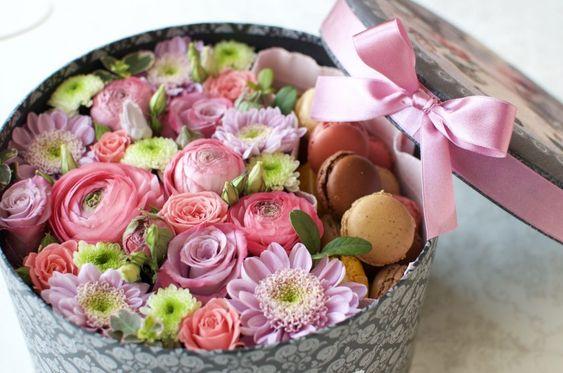 Букеты в корзине из живых цветов фото (10)