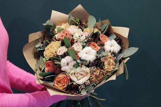 Букеты в корзине из живых цветов фото (14)