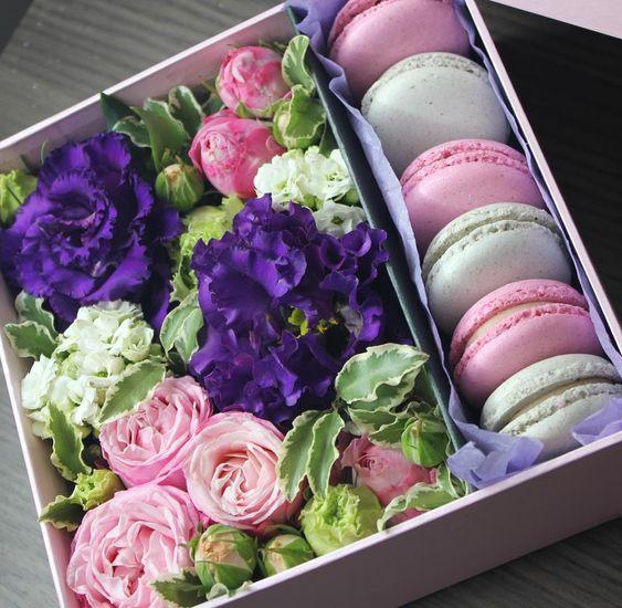 Букеты в корзине из живых цветов фото (16)