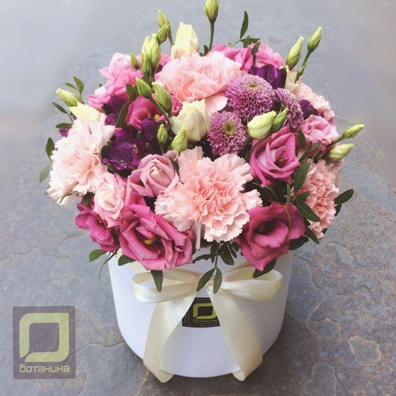 Букеты в корзине из живых цветов фото (8)
