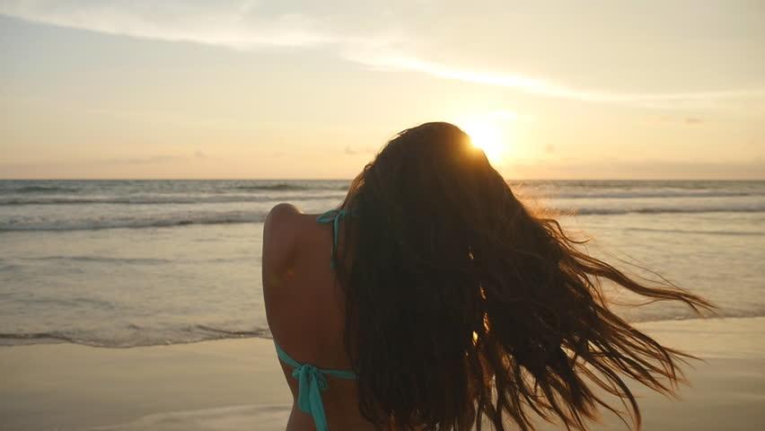 Девушка на море фотографии на аву без лица (10)