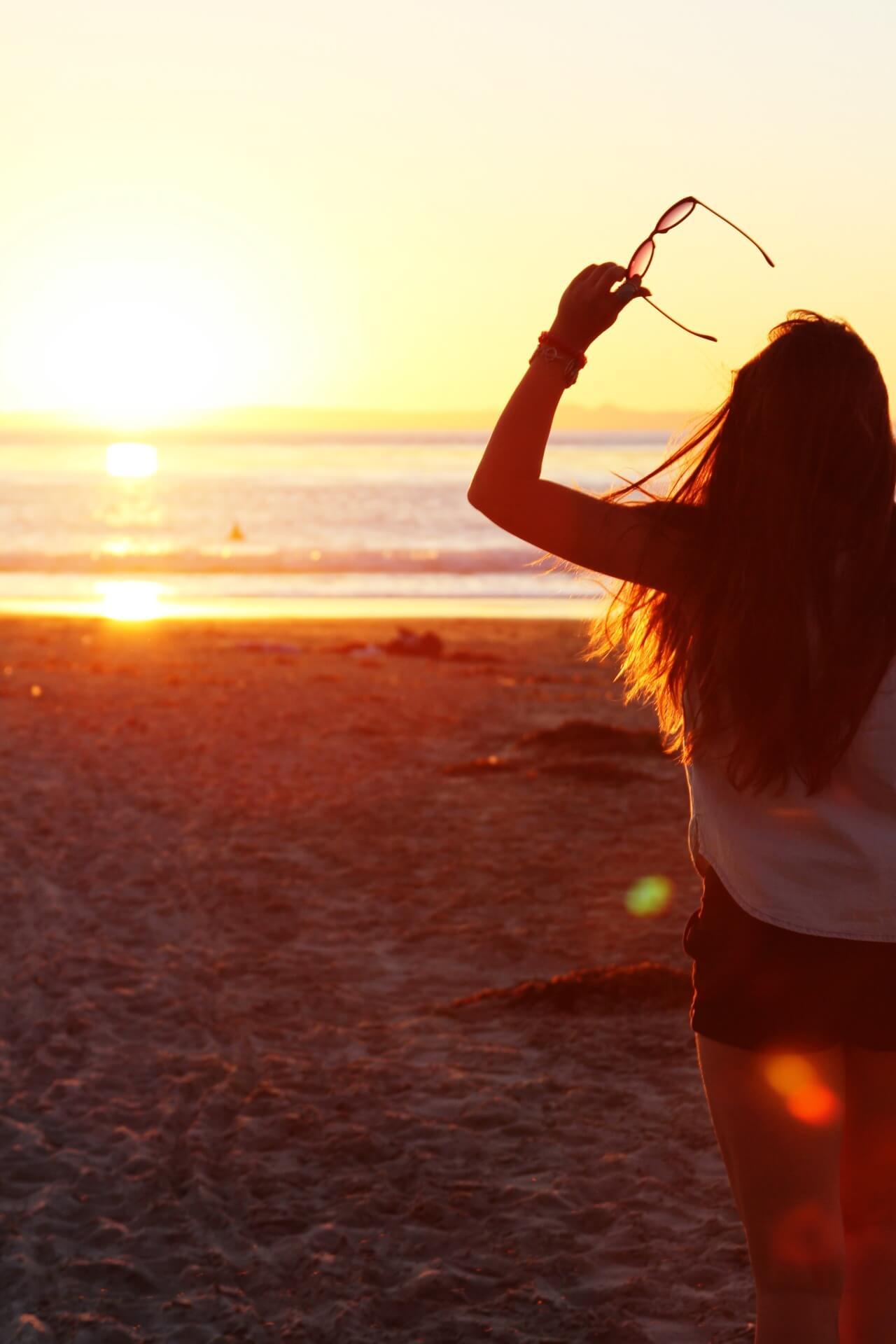 Девушка на море фотографии на аву без лица (15)