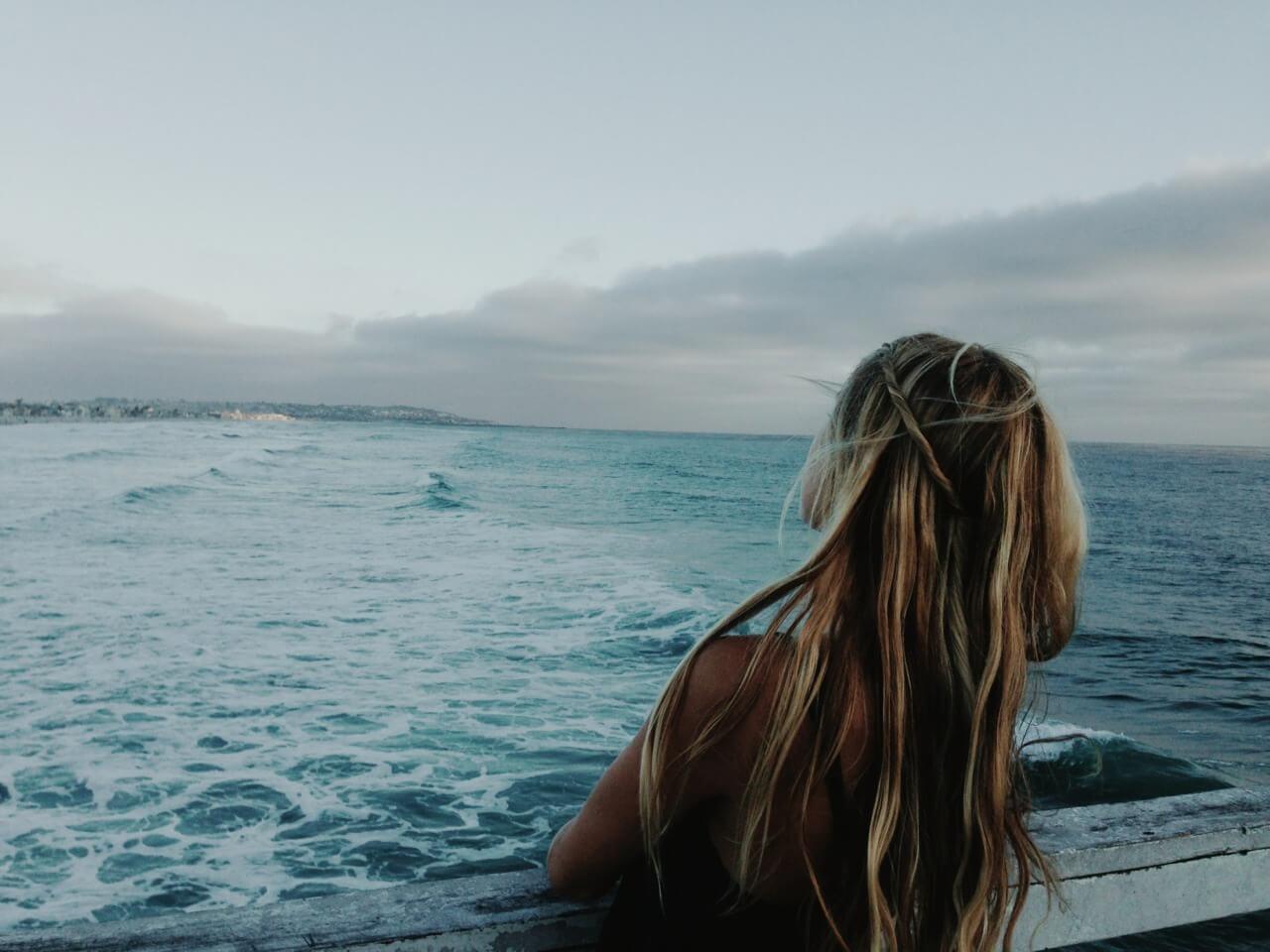 Девушка на море фотографии на аву без лица (18)