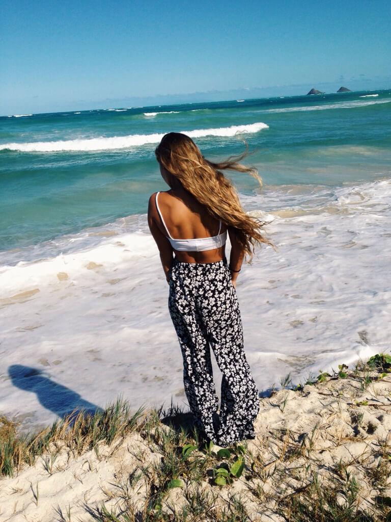 Девушка на море фотографии на аву без лица (6)