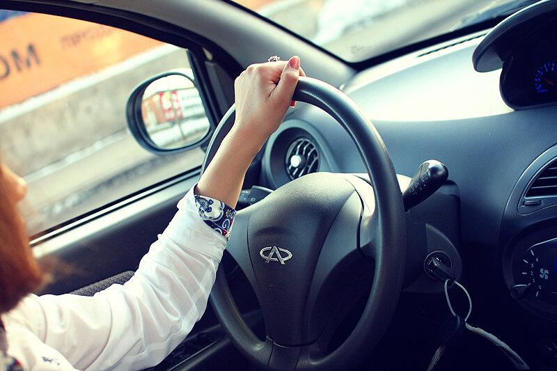 Машина и девушка без лица на аву скачать картинки (17)