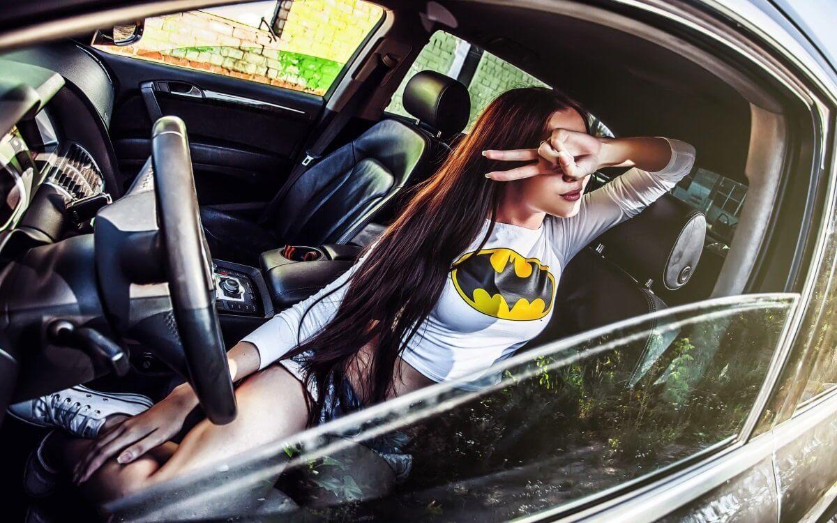 Машина и девушка без лица на аву скачать картинки (8)