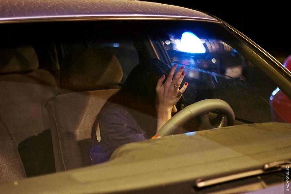 Парень с девушкой без лица в машине   сборка фото (10)