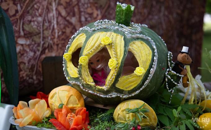 Поделки из овощей и фруктов и цветов   подборка фото (17)