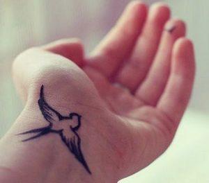Татуировки на запястье для девушек   красивые (21 картинка) (5)