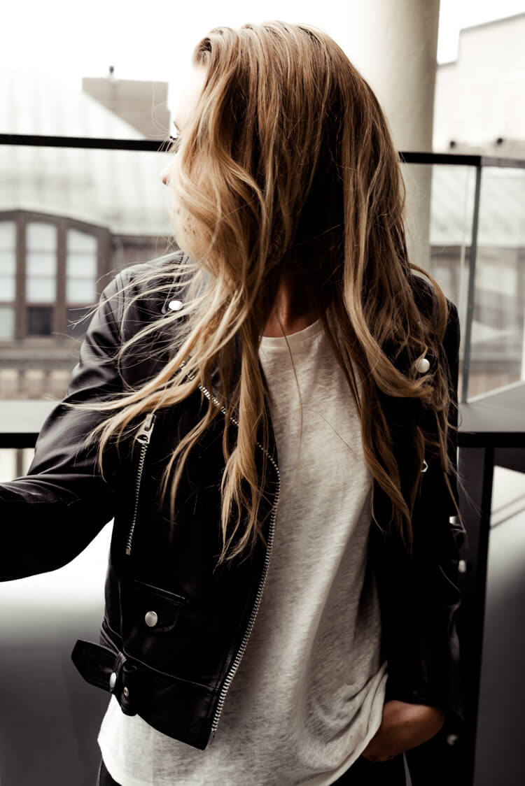Фото девушек без лица со светлыми волосами сборка 20 фото (11)