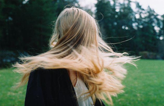 Фото девушек без лица со светлыми волосами сборка 20 фото (12)