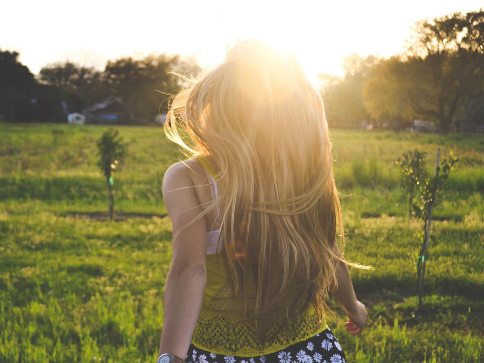 Фото девушек без лица со светлыми волосами сборка 20 фото (20)