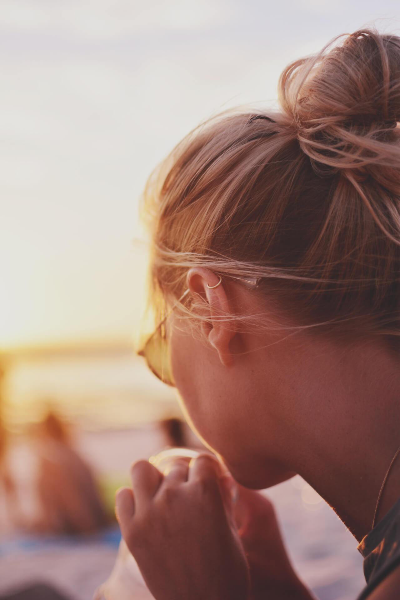 Фото девушек без лица со светлыми волосами сборка 20 фото (9)