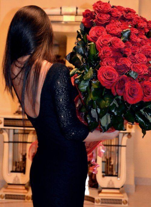 Картинки девочка с цветами в руках со спины фото, картинках картинки хорошего