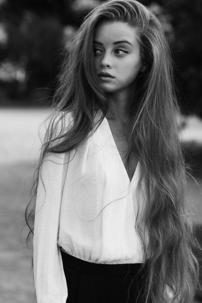 Фото красивых девушек с очень длинными волосами   подборка (8)