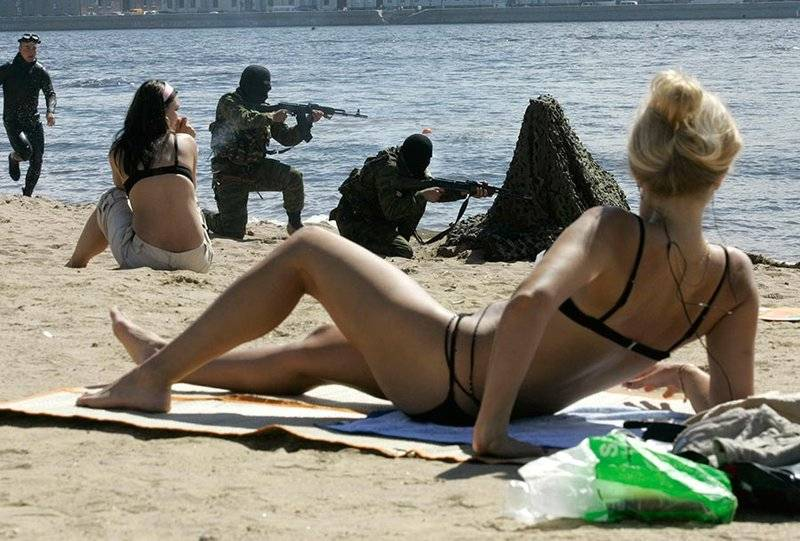 Фото приколы пьяных девушек на пляже   подборка фотографий (6)