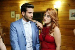 Актеры турецкого сериала Любовь не понимает слов   фото (21)