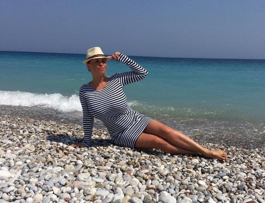 Анна Семенович на пляже   фото 005
