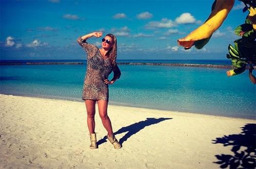 Анна Семенович на пляже   фото 007