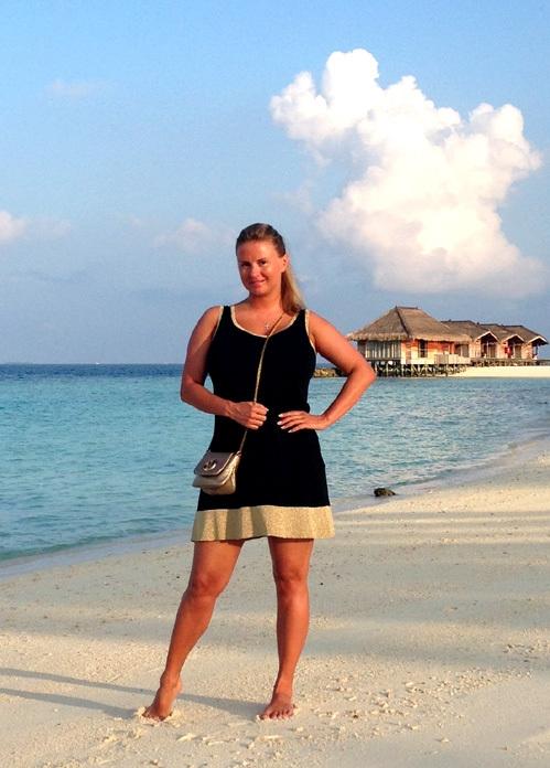 Анна Семенович на пляже   фото 012