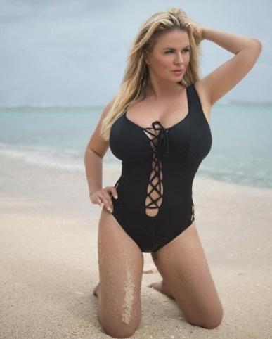 Анна Семенович на пляже   фото 017