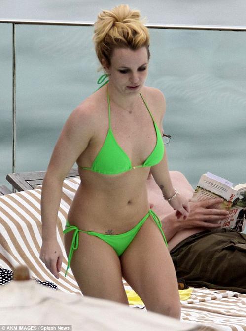 Бритни Спирс фото в купальнике в молодости   подборка (14)