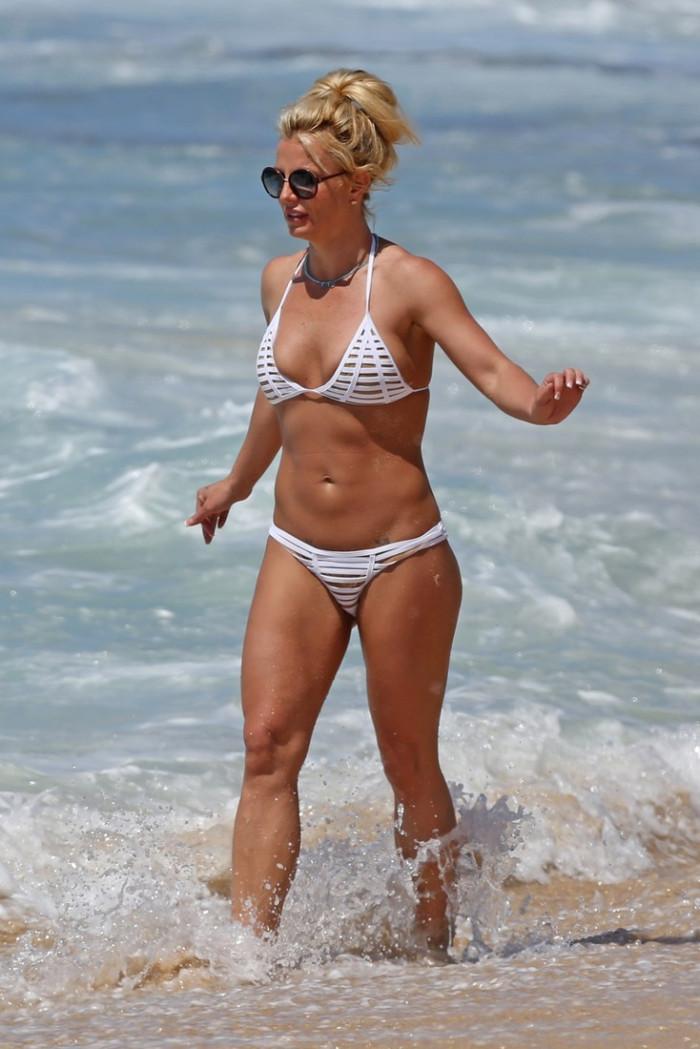 Бритни Спирс фото в купальнике в молодости   подборка (19)