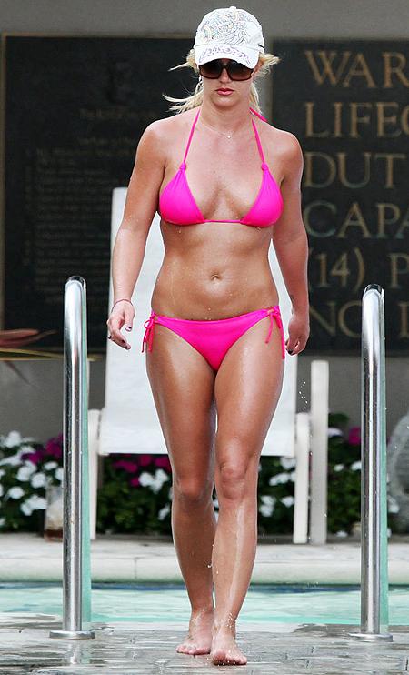 Бритни Спирс фото в купальнике в молодости   подборка (2)