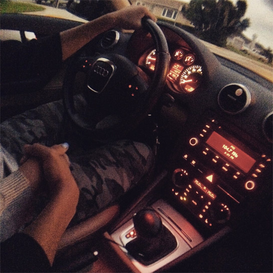 Брюнетка в машине без лица на аву   подборка (3)